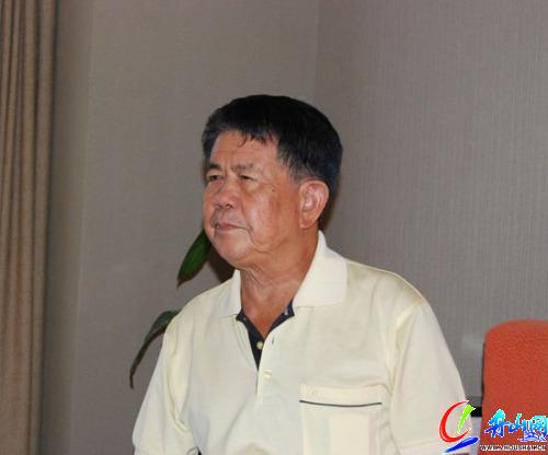 中国酒文化论坛嘉宾原中国足球总教练曾雪麟岛