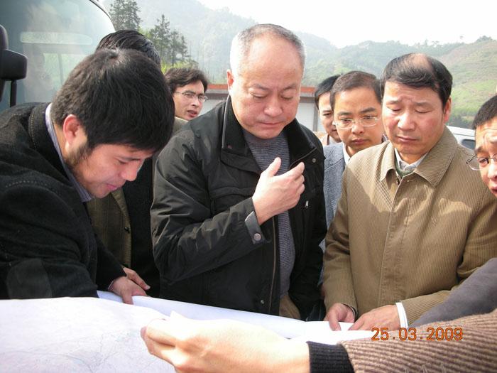原副厅长王洪涛、市交通局局长张志明,县委副